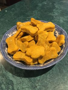 How to make dog biscuits at home